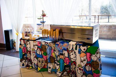 Выездной бар мороженого в Санкт-Петербурге