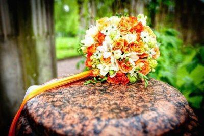 Букет невесты, бутоньерка для жениха в Санкт-Петербурге