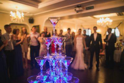 Горка шампанского в Санкт-Петербурге