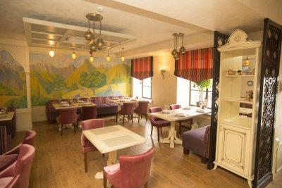 Рестораны на 30 человек для банкета в Санкт-Петербурге