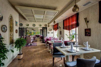 Рестораны на 50 человек для банкета в Санкт-Петербурге