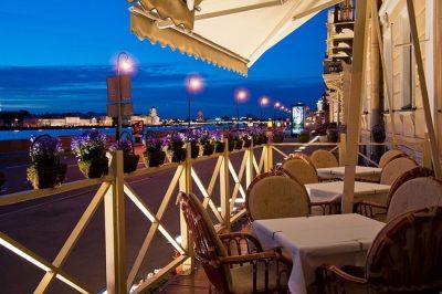 Рестораны, кафе и банкетные залы на набережной в Санкт-Петербурге